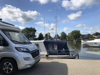 Hulshof Watersport en Campers